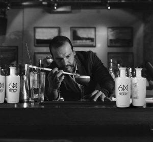 barman and gin